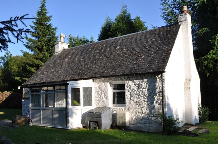 Scotland cottage Roybridge